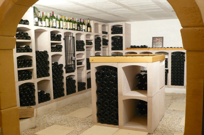 vinicase weinregal aus stein. Black Bedroom Furniture Sets. Home Design Ideas